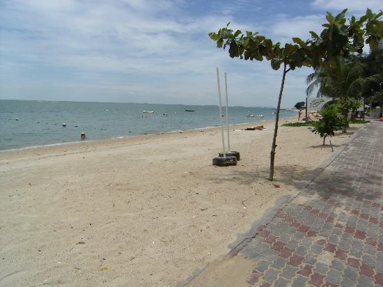 Wong Amat Beach: 北パタヤのビーチ