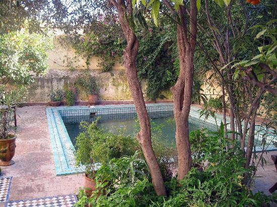 Ryad Mabrouka: pool