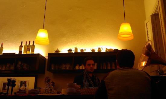 Kimolia Art Cafe: The barman
