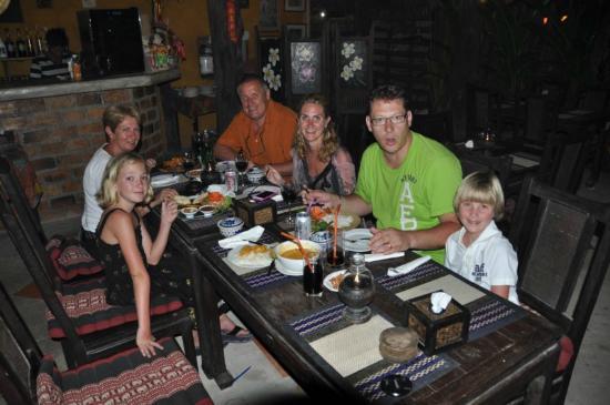 Sawasdee Restaurant: Familie Blatter im Sawasdee