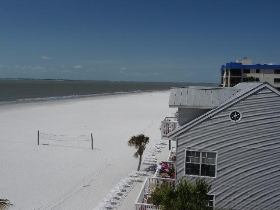 Edison Beach House: EBH Daytime view