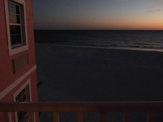 Edison Beach House: EBH view at dusk