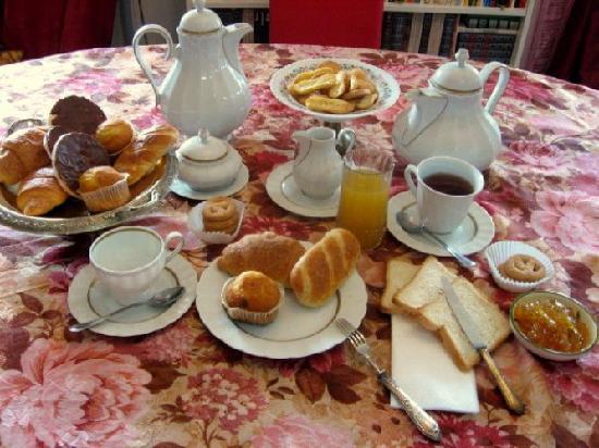 Via Dalla Pazza Folla!: colazione