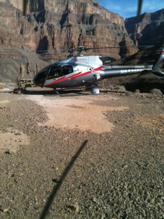 Maverick Helicopters: Landing in the canyon