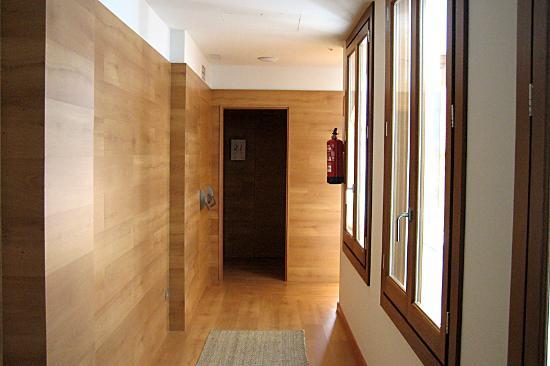 Hotel Parraga Siete: Acceso habitaciones
