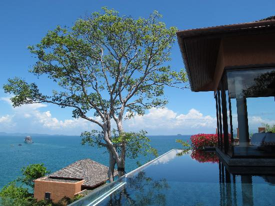 Sri Panwa Phuket Luxury Pool Villa Hotel: This is LV 17, you will have a wider than panoramic view