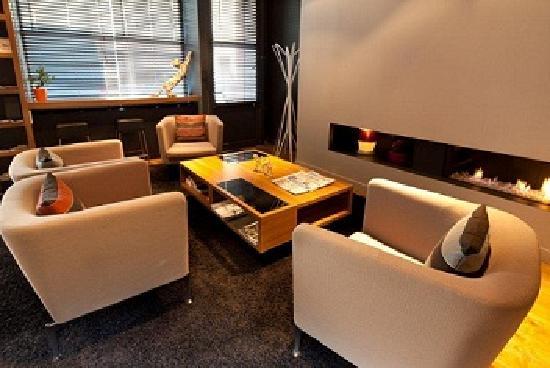 Fred Hotel: Lobby