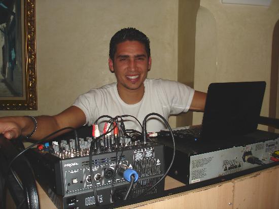Medina Belisaire & Thalasso: Anouar en DJ