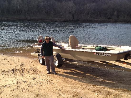 Riverside Retreat On The White River: first class equipment