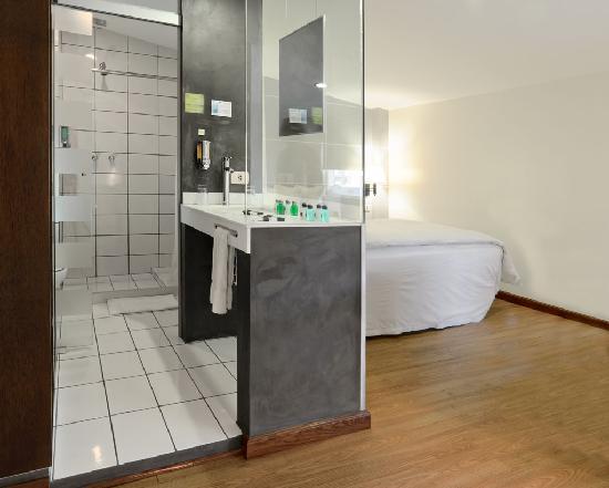 Hotel LP Columbus: Bathroom Suite