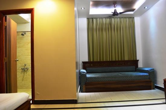 Hotel Silver Oak: dlx family room