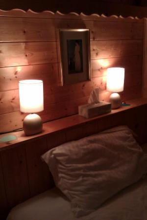 Entre Deux Eaux: bedside lamps
