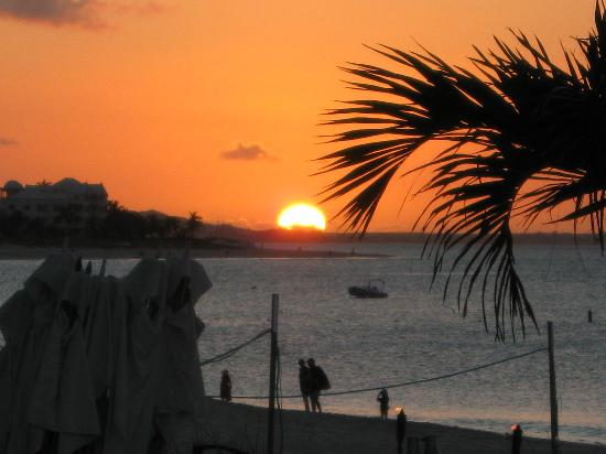 Grace Bay Club: Sunset @ Night
