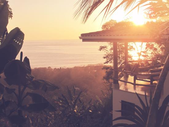 Villa Cacique: Sunset terrace
