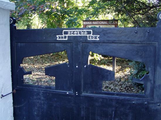 Gates to Bishopscourt Glen