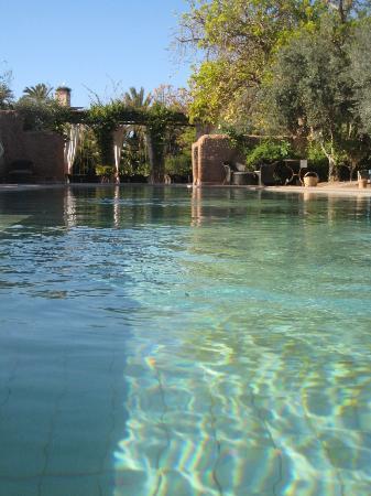 Les Deux Tours : la piscine