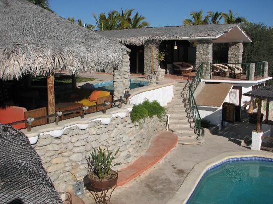 Villa Paraiso: Upper part of resort