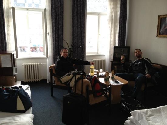 Hotel Meran: 3rd floor room, 303, view on main street