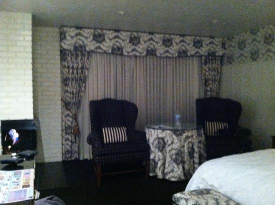 Wayside Inn: room 18
