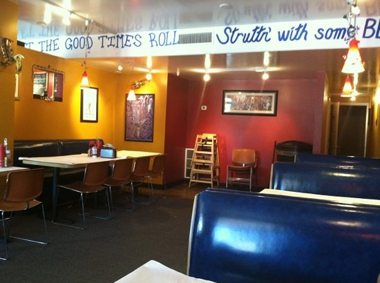 Satchmo's BBQ: Cute place!