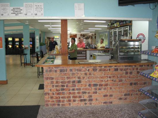 Mossman Golf Club: Coldest Beer in FNQ