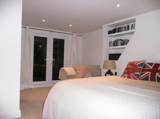 Raynes Park Bed and Breakfast
