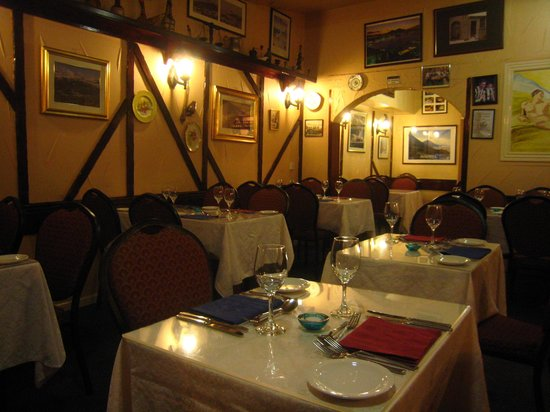 Vito's Italian Restaurant: Dining Area