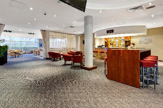 Rydges Bankstown: Hotel Foyer