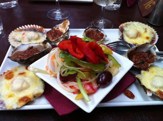 Woody Nook Wines: Scallops, oysters and salad platter