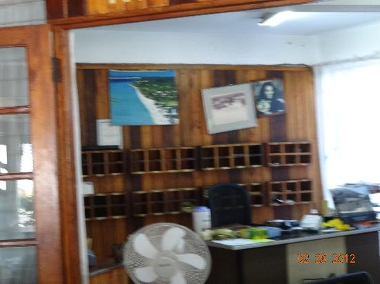 Negril Tree House Resort : managers office, front desk
