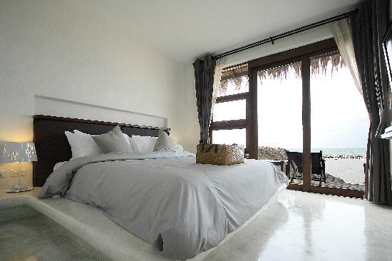 Lazy Day's Samui Beach Resort: Room @ Beachfront Bungalow 1