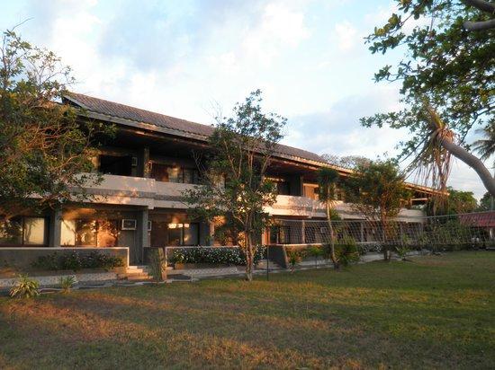 Bauang, Philippines: ホテル建物