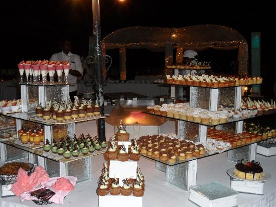 Couples Sans Souci : The wonderful desserts on Gala Night