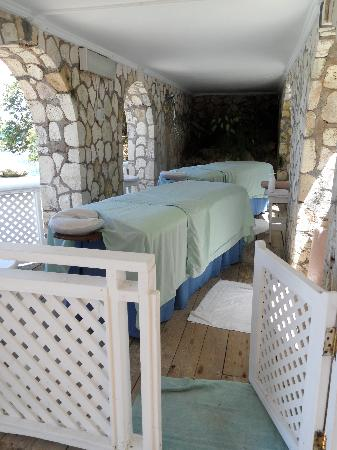 Couples Sans Souci : One of the amazing massage huts