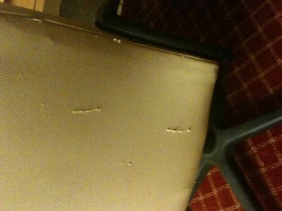 Extended Stay America - North Chesterfield - Arboretum: Ripped chair