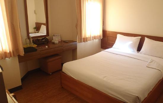 Muangphol Mansion: room