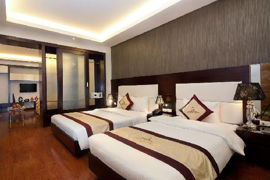 Hanoi Royal View Hotel: suite triple