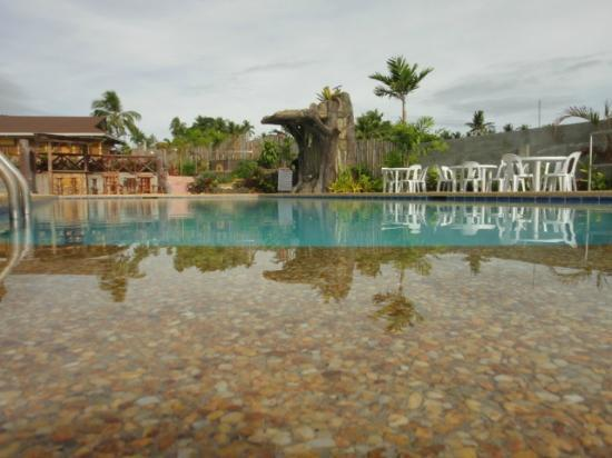 La Veranda Beach Resort & Restaurant: poolside