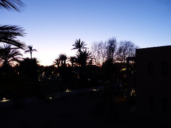 Pullman Marrakech Palmeraie Resort and Spa: Vue de la chambre nocturne
