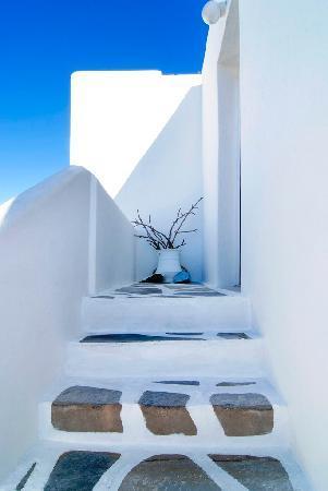 أكورتيراكي هوتل: Stairs