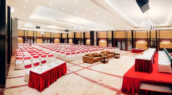 Large Conference Hall Picture Of Anandha Inn Convention Centre Suites Pondicherry Tripadvisor