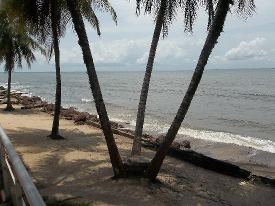 Le Meridien Re-Ndama : The Beach from the Meridien Hotel