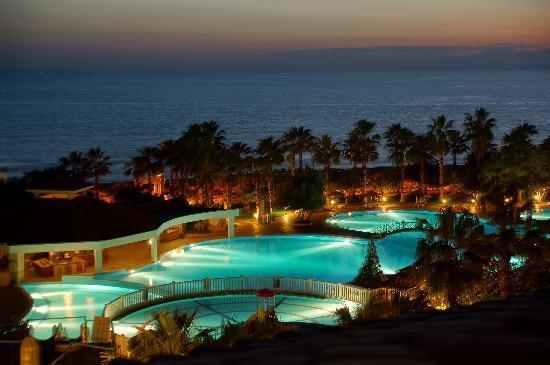 Defne Star Hotel: Blick nachts vom Balkon