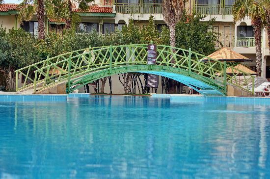 Defne Star Hotel: Pool