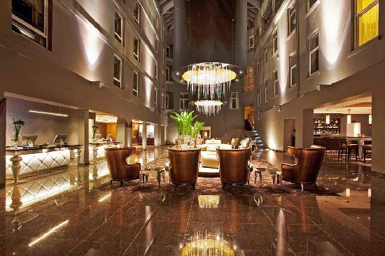Clarion Hotel Ernst: Artrium