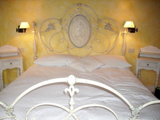 Country House il Sassone: Interno camera