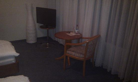 City Hotel Sindelfingen : Fernseher