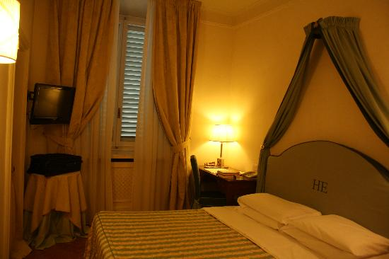 Hotel Executive Florence: Loved our room!