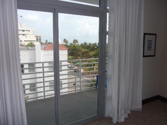 sliding glass door to wrap around balcony picture of suites at congress ocean drive miami. Black Bedroom Furniture Sets. Home Design Ideas