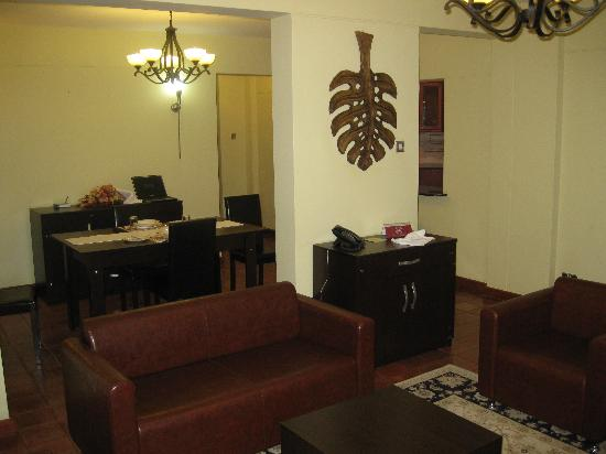 Batians Peak Serviced Apartments: apartment